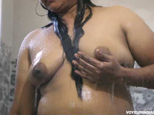 Indian Chubby Bengali Bhabhi Dipannita Shower
